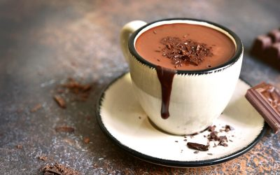 Chocolate quente com pasta de amendoim