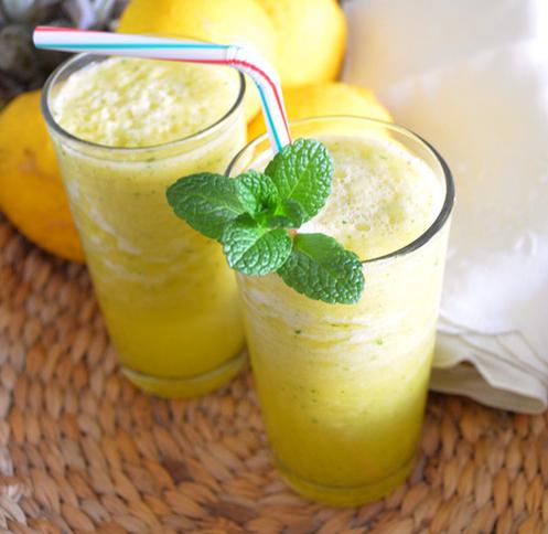 Suco de Limão Siciliano com Hortelã